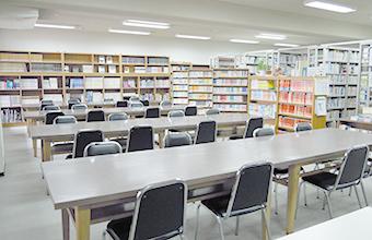 図書室前風景